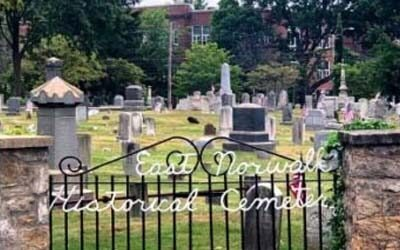 """Does """"Yankee Doodle"""" Rest in the East Norwalk Cemetery?"""